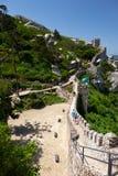 摩尔人城堡长的悬墙  辛特拉 葡萄牙 图库摄影