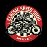 摩托车与肮脏的纹理的车库徽章 皇族释放例证