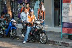 摩托车出租汽车服务在曼谷 库存图片