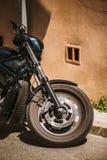 摩托车前轮关闭 免版税库存照片
