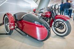 摩托车哈利戴维森WLA 45 Gespann, 1944年与边车Simard Rocketman, 1934年 库存照片