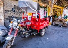 摩托车在伊朗 库存图片