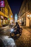 摩托车在晚上在弗罗茨瓦夫 免版税库存图片