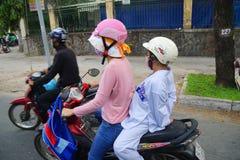 摩托车在繁忙运输竞争 库存图片