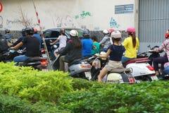 摩托车在繁忙运输竞争 免版税库存照片