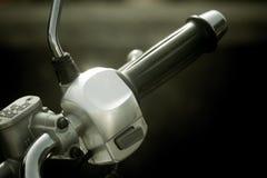 摩托车把手 免版税库存照片