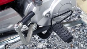 摩托车特写镜头从减速火箭的日本自行车分开 库存照片
