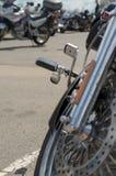 摩托车特写镜头,马达细节设备的片段  免版税库存图片