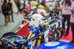 摩托车的有些零件在车展事件的 免版税库存图片