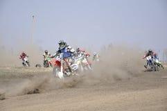 摩托车越野赛俄国翼果起始时间 库存照片