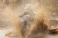 摩托车越野赛司机 库存照片