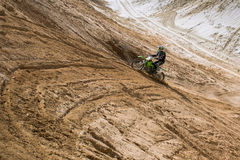 摩托车越野赛实践 免版税库存照片