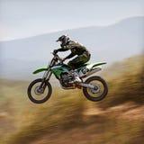 摩托车越野赛摇摄 图库摄影