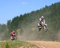 摩托车越野赛车手跟踪 免版税库存照片