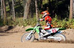 摩托车越野赛车手 库存图片