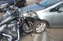 摩托车车祸 免版税库存图片