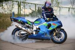 摩托车骑士 库存图片