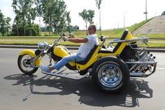 摩托车motorcycliston被转动的强大三 免版税库存图片