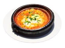 摩洛哥国家盘- tajine与鸡蛋和蔬菜回面 免版税图库摄影