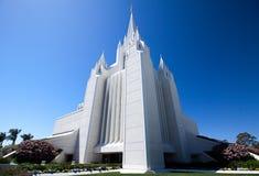 摩门教堂和无云的蓝天 免版税库存照片