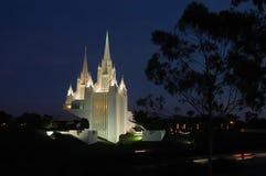摩门教堂在圣地亚哥,日落的加利福尼亚 免版税库存图片