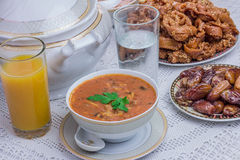 摩洛哥人赖买丹月宴餐 库存图片