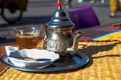 摩洛哥罐茶 免版税库存照片