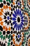 摩洛哥马拉喀什蔓藤花纹墙壁瓦片 免版税图库摄影