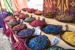 摩洛哥,与甜点的篮子特点阿拉伯文化 分集 免版税库存照片