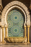 摩洛哥,卡萨布兰卡清真寺哈桑二世装饰盥洗盆 免版税图库摄影