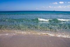 撒丁岛海的美好的颜色 免版税库存照片