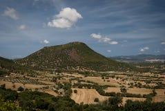 撒丁岛Landscape.Old火山的圆顶 库存图片