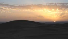 撒哈拉大沙漠日落 免版税库存照片