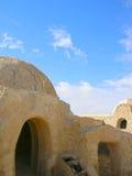 撒哈拉大沙漠,突尼斯- 2008年1月03日:电影星际大战的射击的被放弃的集合 库存照片