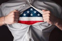 撕毁在胸口,卫兵的美国特级英雄的衬衣, 免版税库存图片