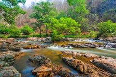 操作可汗自然公园瀑布在清迈 免版税库存照片