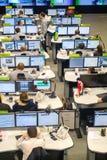 操作员工作在公路交通控制中心 免版税图库摄影