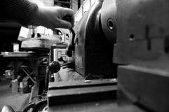 操作C的工业机器 免版税库存照片