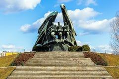 擦亮战士的纪念碑 免版税图库摄影