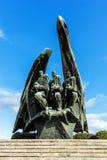 擦亮战士的纪念碑 库存照片