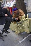 擦净剂伊斯坦布尔鞋子 图库摄影