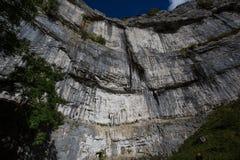 攀岩运动员, Malham小海湾 免版税库存照片