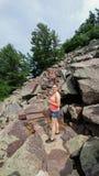 攀岩-恶魔` s湖国家公园- Baraboo, WI 免版税库存照片