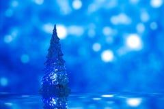 攀爬玻璃圣诞树,抽象雪 免版税库存图片