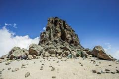 攀登乞力马扎罗山, Machame路线-熔岩塔(4600m)露营地(坦桑尼亚) 图库摄影