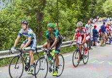 攀登Alpe D'Huez的骑自行车者 图库摄影