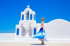 支持传统希腊教会的妇女 免版税库存图片
