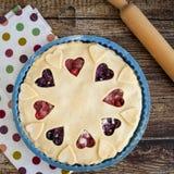 支持非的莓果饼用草莓和蓝莓 库存图片