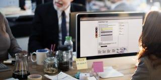 支持顾客服务运作的办公室网上通信骗局 免版税库存照片