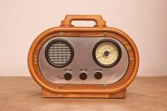 收音,一台老收音机的一件现代复制品 图库摄影